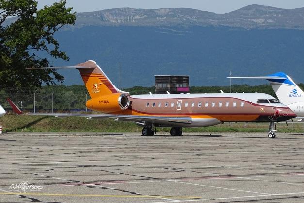 Bombardier BD700 - M-UNIS - GVA/LSGG 27.08.2015