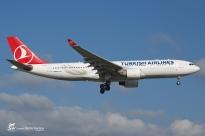 A330-223 (TC-JIS) - Turkish Airlines - GVA/LSGG - 8 Septembre 2015