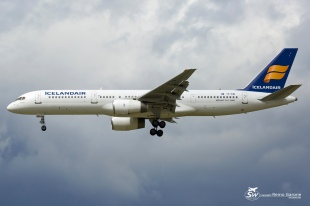 B757-27B (TF-FIW) - Icelandair - GVA/LSGG - 01.09 2015